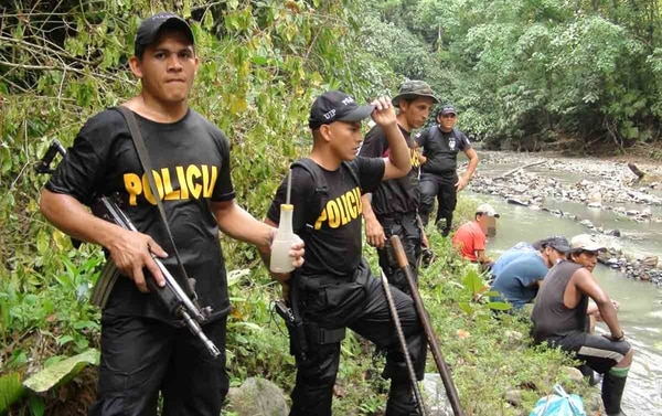 Los oreros fueron detenidos durante los operativos realizados por la Fuerza Pública en febrero y marzo en Corcovado. | GUILLERMO SOLANO/ ARCHIVO LN