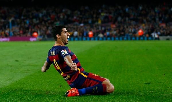 Luis Suarez anotó triplete con el Barcelona y le dio el triunfo al cuadro azulgrana 3-1 sobre el Eibar.