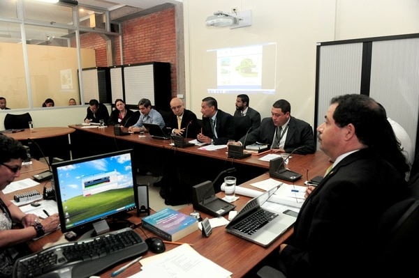 Carlos Mata, asesor del ministro de Obras Públicas y Transportes, Carlos Segnini, pidió a los diputados frenar el avance del proyecto de ley que autorizaría la ampliación de la carretera a Cartago con un fideicomiso.