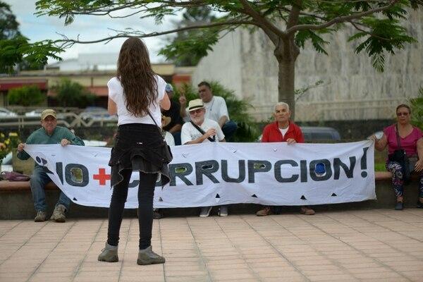 En la imagen una marcha de trabajadores judiciales, del 21 de julio de 2018, exigiendo transparencia a la Corte Plena de ese Poder de la República. Fotografía: Jose Díaz/Agencia Ojo por Ojo