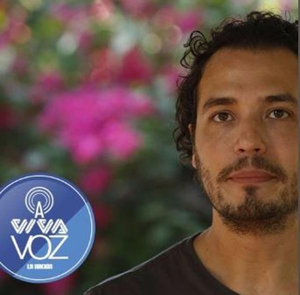 En A Viva Voz encuentre también entrevistas.