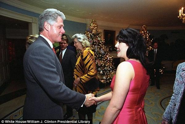 Clinton admitió haber tenido una relación inapropiada con Lewinsky (en la fotografía anterior con Clinton en diciembre de 1996) entre 1995 y 1997 mientras trabajaba en la Casa Blanca. Foto: Archivo