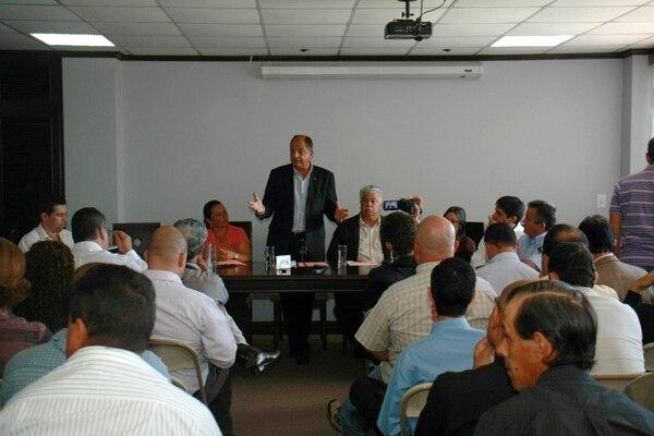 Reunión de Luis Guillermo Solís con Sociedad Civil.