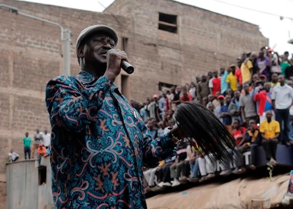El opositor Raila Odinga, este domingo, en el distrito de Mathare, en Nairobi.