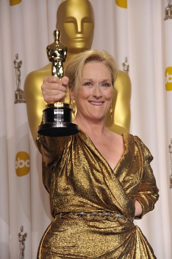 Meryl Streep celebró así el tercer Óscar de su carrera. Lo logró en el 2012, por 'La dama de hierro'. Foto: ShutterStock