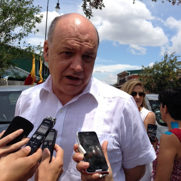 Rodolfo Piza votó en el Colegio México