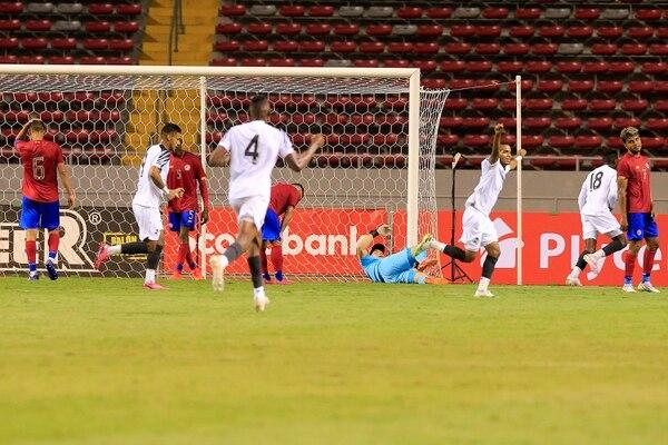 El guardamenta debutante Minor Álvarez quedó indefenso ante el gol canalero, concretado por Abdiel Ayarza (5).