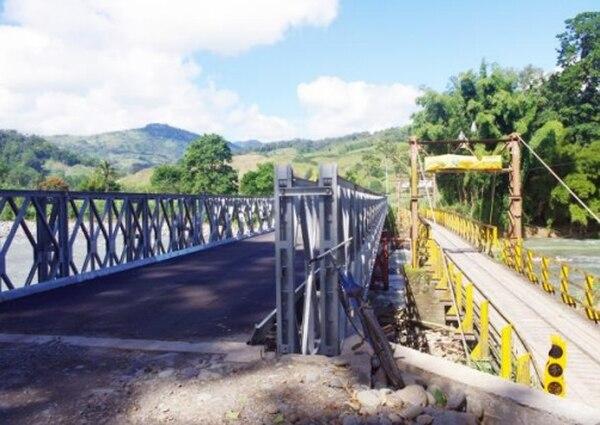 El puente bailey fue instalado en el 2011.
