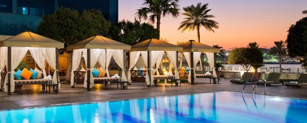 Las cabañas del Doha Marriott Hotel es una de sus principales atracciones. Foto: sitio oficial del hotel.