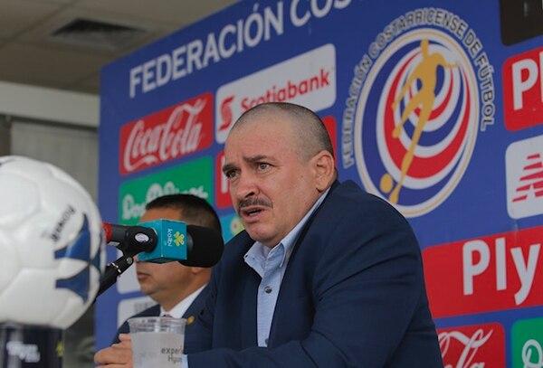 Óscar Ramírez atendió a los medios este viernes.