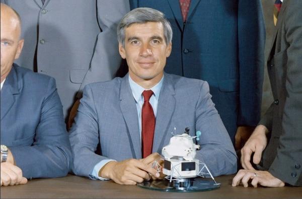 """John """"Tony"""" Llewelyn fue parte del segundo grupo del programa. El científico murió en julio del 2013. Foto: NASA"""