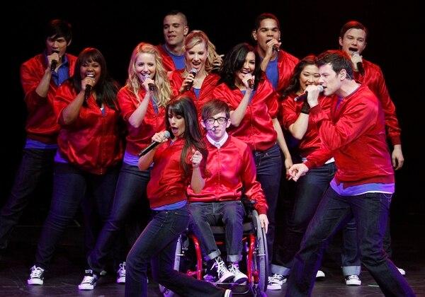 El elenco de la serie Glee realizó en el 2010 una gira de conciertos por los Estados Unidos. Uno de los shows más memorables fue el realizado en el Dodge Theatre, en Phoenix.