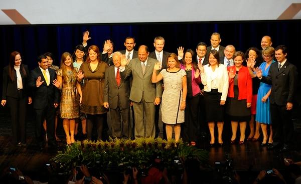 El presidente electo, Luis Guillermo Solís, anunció ayer un segundo grupo de miembros del equipo que lo acompañará en el periodo 2014-2018. Anunció 19 nombres en total. La actividad se realizó en el Auditorio Nacional del Museo de los Niños, en San José. | MARIO ROJAS