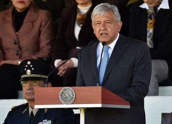 El presidente de México, Andrés Manuel López Obrador, pronuncia un discurso durante una ceremonia en la Ciudad de México, el 2 de diciembre de 2018 .Foto: AFP
