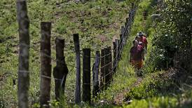 Estado inmoviliza 921 fincas privadas al señalar que están en territorios indígenas