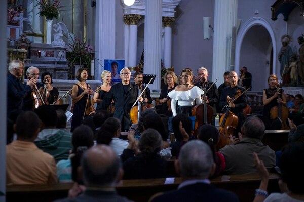Dos años atrás, la Orquesta de la Cámara de Lituania dio un concierto en la Iglesia de La Soledad. Ahora se despedirán de los ticos en el Teatro Nacional. Foto: Alejandro Gamboa Madrigal/Archivo LN