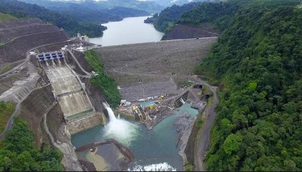 La hidroeléctrica Reventazón se inauguró oficialmente el 16 de setiembre del año pasado y el ICE la presentó como la