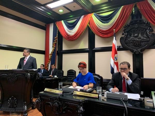 El ministro de Hacienda, Rodrigo Chaves, hizo la propuesta de levantar el secreto bancario, en su comparecencia ante la Asamblea Legislativa el lunes 10 de febrero. Foto: Jorge Castillo