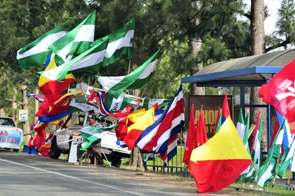 La banderas de los partidos políticos volverán a ondear a partir del 2 de enero, cuando reinicie la campaña política, según lo determina el Código Electoral.