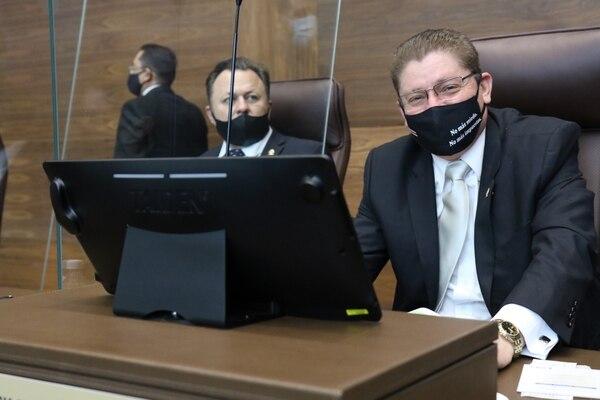 El diputado independiente Erick Rodríguez tendrá que afrontar la demanda laboral por acoso de parte de una asesora de su despacho. Foto: Asamblea Legislativa.