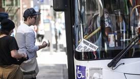 Contraloría reitera 'improcedencia' de usar cánones de Aresep para pagar reclamos de buseros