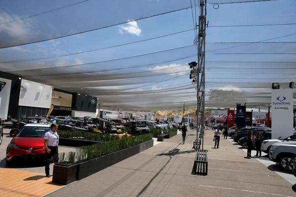 Expomóvil 2018. La menor venta de venta de vehículos influye en la desaceleración que muestra el sector comercio. Foto: Mayela López
