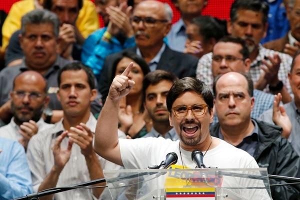 El vicepresidente de la Asamblea Nacional, Freddy Guevara, habló el lunes 17 de julio del 2017 sobre los nuevos pasos de la oposición para presionar al gobierno de Maduro, entre ellos el llamado a un paro cívico de 24 horas.