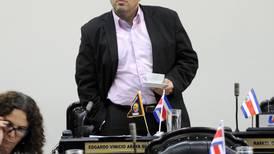Jefe del FA pide ir a juicio contra  Infinito Gold