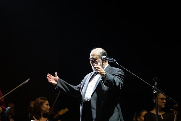 Marvin Araya mantuvo su característico humor en la presentación. Fotografía : Alejandro Gamboa Madrigal