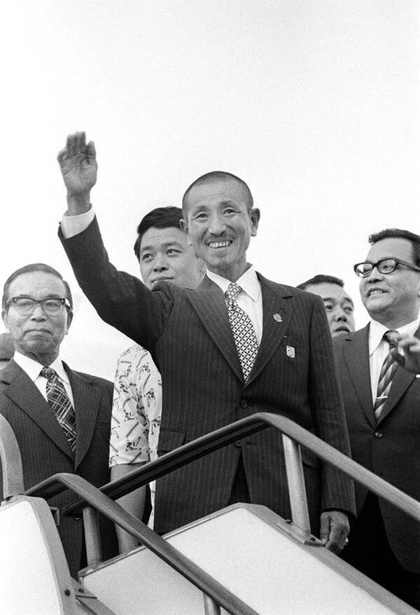 Hiroo Onoda se rindió el 9 de marzo de 1974 después de recibir una orden directa de su comandante. No antes, no después. Tras hacerlo, le dio un detallado reporte de la información recolectada tras 29 años de inteligencia
