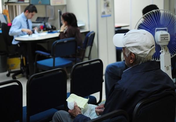 196.378 personas reciben pensiones de la CCSS