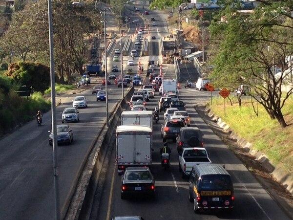 Tránsito informó que la carga vehicular en Circunvalación es la normal a pesar de los trabajos que allí se realizan.