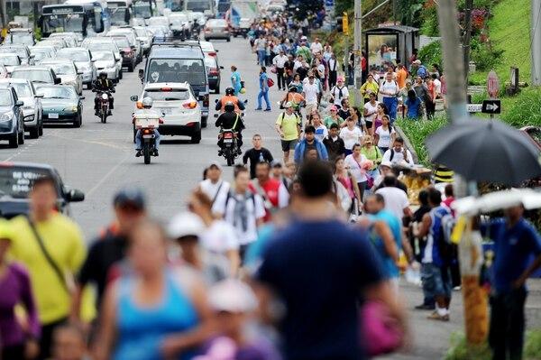 La Cruz Roja atendió este sábado a unas 20 personas por malestares relacionados con la exposición al sol y altas temperaturas, entre otros cuadros.