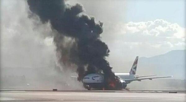 El incendio fue rápidamente controlado por los Bomberos del aeropuerto en Nevada.
