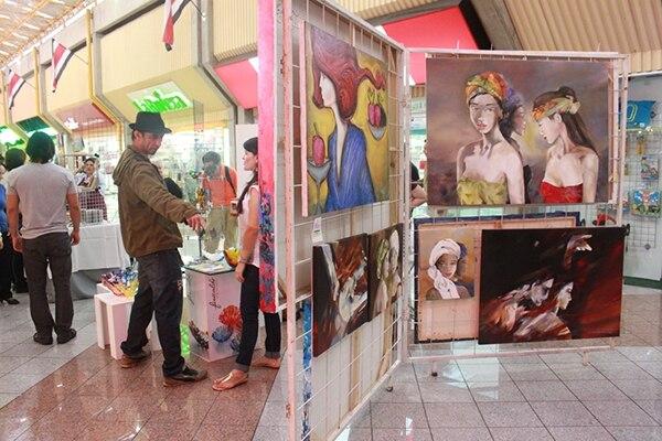 La décima edición de la feria 'Viva el arte' se llevará a cabo este fin de semana en Plaza del Sol.