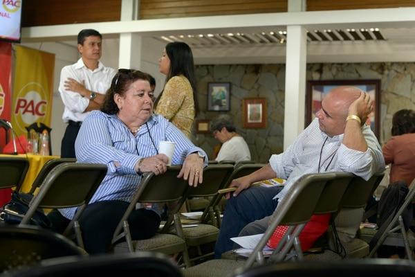 Marta María Elizondo y Alfredo Montero fueron dos de los asambleístas quienes asistieron a la cita de este sábado. Fotografía: Agencia Ojo por Ojo.