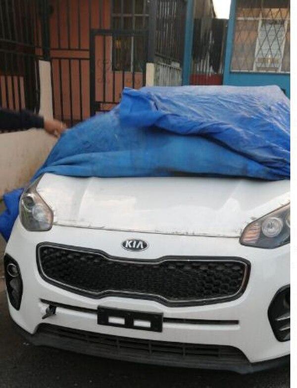 El vehículo se encontraba en una de las alamedas cubierto por un manteado. Foto de MSP
