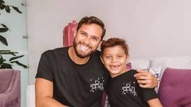 Felipe, el hijo del presentador Jorge Vindas, sigue desde Youtube e Instagram los pasos de su padre