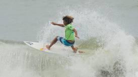 Carlos 'Cali' Muñoz: Entre el orgullo de ser el mejor surfista hispanoamericano y la alegría de volver a ser papá