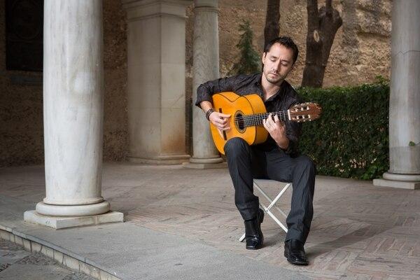 El guitarrista costarricense Manuel Montero presenta este viernes 16 de enero su disco 'Solo' en Casa de España, a las 8 p. m.