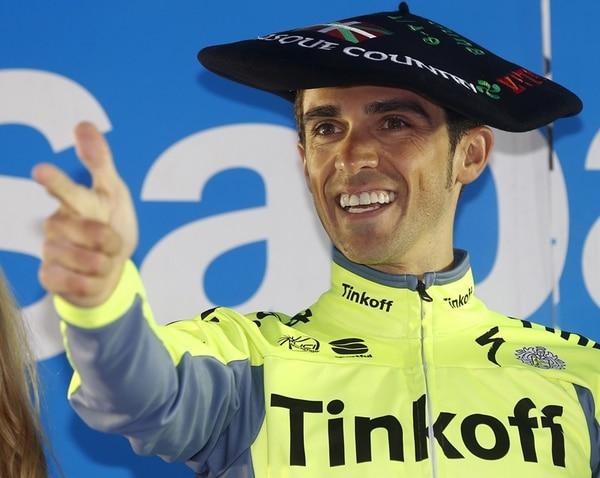 Alberto Contador apostó a su fortaleza y esperó hasta la contrarreloj para arrebatarle el título a Sergio Henao y verse mejor que Nairo.   EFE