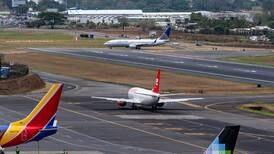 Carlos Alvarado ordena resolver 'con prontitud' cuestionamientos a seguridad aérea en  Costa Rica