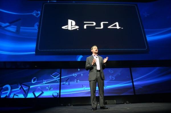 Andrew House, CEO de Sony, durante la presentación del PS4.