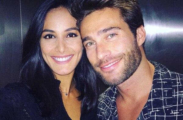 """Los ojos no mienten. Uno de los 'posts' más reveladores el Día de los enamorados fue el de Miss C.R. 2011, Johanna Solano, quien no se guardó nada y expresó a su guapísimo novio, el argentino Rodrigo Guirao, las siguientes palabras: """"Él me vió. Y yo sonreí, con los ojos, con la boca, con el corazón. Te amo""""."""