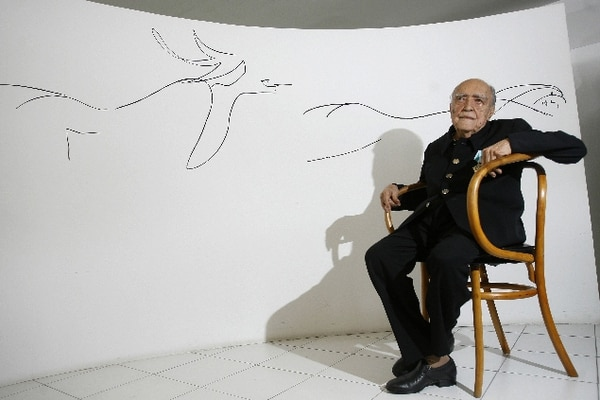 FILE - In this Dec. 14, 2007 file photo, Brazil's star architect Oscar Niemeyer attends an event marking his 100th birthday, in Rio de Janeiro, Brazil. According to a hospital spokeswoman on Wednesday, Dec. 5, 2012, famed Brazilian architect Oscar Niemeyer has died at age 104. (AP Photo/ Ricardo Moraes, File)