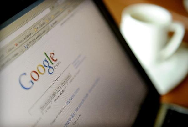 Según la justicia, Google es responsable de los contenidos de su portal en tanto editor. | AFP.