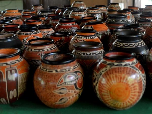 Piezas como vasijas, ollas y tinajas elaboradas a base de arcilla son típicas en Guanacaste.