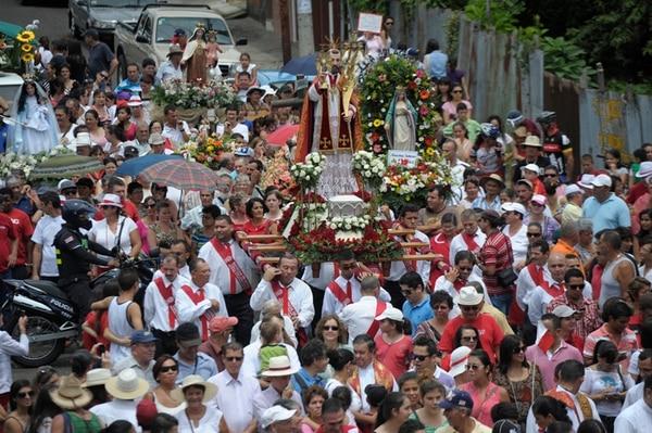 La Entrada de los Santos reúne a unas 60 imágenes religiosas, provenientes de todo el país. | ARCHIVO