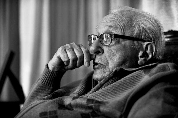 El político y periodista Alberto Cañas Escalante falleció este sábado producto de complicaciones causadas por una hernia.