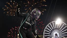 Lewis Hamilton triunfa en la primera largada de la temporada  de la F 1 ante la frustración de Verstappen